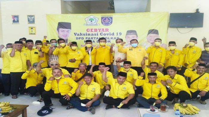 DPD Partai Golkar Kota Depok menyambut tokoh warga Cipayung bersama para Ketua RW dan RT Cipayung yang bergabung menjadi anggota baru.