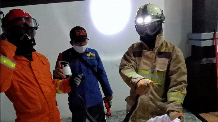 Ular Kobra Jawa Sepanjang Dua Meter di Saluran Air Kejutkan Warga Duren Sawit pada Sabtu (25/8/2021)