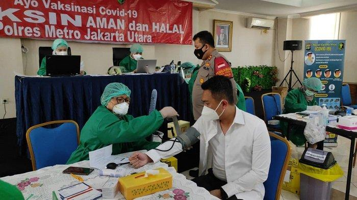 Ini Penyebab Belasan Anggota Polres Metro Jakarta Utara Gagal Disuntik Vaksin Covid-19 Tahap Pertama
