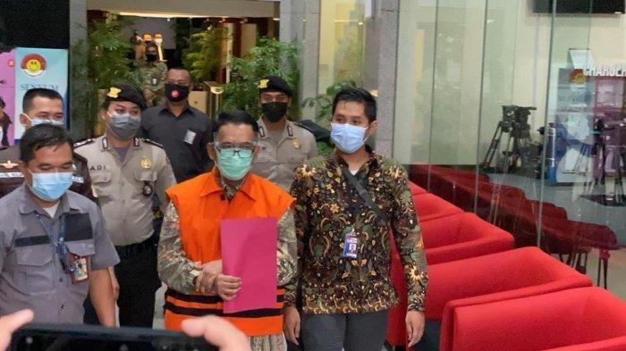 Pakai Rompi Oranye, Angin Prayitno Aji Ditahan di Rutan Gedung Merah Putih KPK