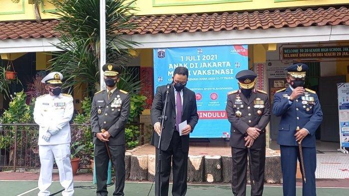 Berjas Necis, Anies Bersama Kapolda dan Pangdam Jaya Buka Vaksinasi Usia 12-17 di SMAN 20 Jakarta