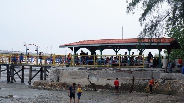 Ini Lima Pantai Indah di Sekitar Surabaya yang Wajib Dikunjungi