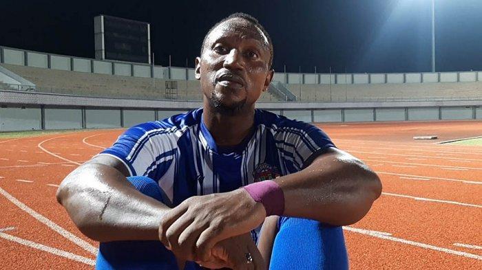 Legenda Persita Tangerang Anthony Jomah Ballah, berharap anaknya Altariq E.A Ballah dapat bermain baik bersama Persita Tangerang di Liga 1 Indonesia musim 2021 nanti