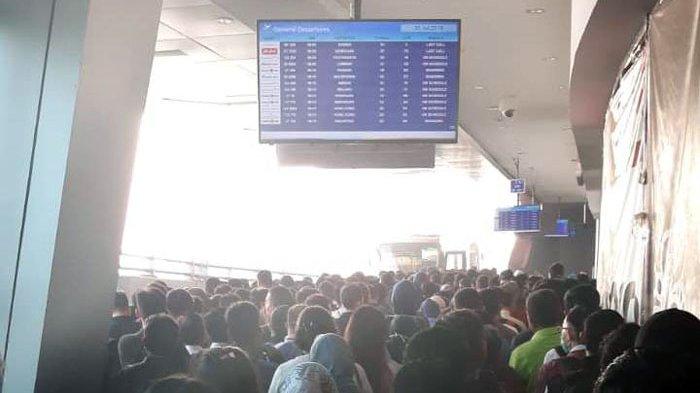 Antrean di Terminal Transit Bandara Soekarno-Hatta Membeludak, Maskapai Diminta Ikut Sediakan Bus