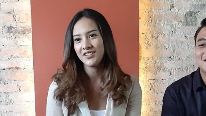 Anya Geraldine di Burger Bar, Jalan KH Mas Mansyur, Tanah Abang, Jakarta Pusat, Kamis (21/11/2019).