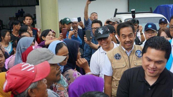 Tinjau Posko Banjir Tangerang, Menteri BUMN Bersama Angkasa Pura II Pastikan Bantuan Tersalurkan