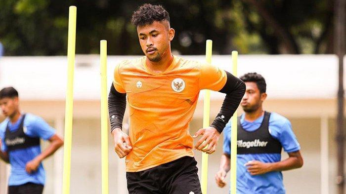 Luizinho Passos Pelatih Kiper Persib Yakin Aqil Savik Akan Jadi Kiper Hebat Bersama Timnas Indonesia