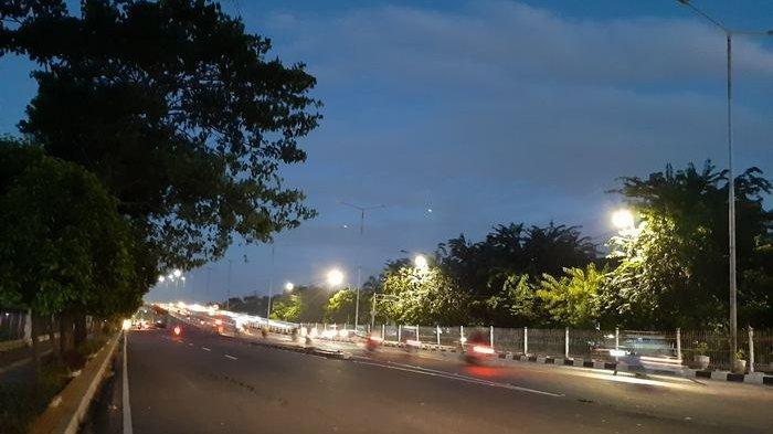 TRAFFIC UPDATE: Arah Jatinegara Menuju Cakung, Bekasi Terpantau Ramai dan Lancar