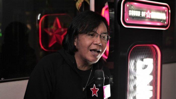 Ari Lasso saat menjadi surprise guest di Sound of Bintang Karaoke Battle garapan Bir Bintang di The Moon, Hotel Monopoli, Jakarta, Kamis (7/11/2019) malam.