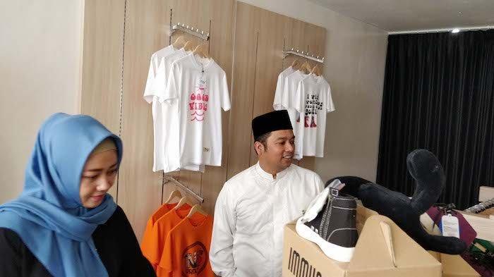 Wali Kota Tangerang, Arief R. Wismansyah berkunjung ke lokasi Kreo Clothing District yang berada di kawasan wisata belanja Cipadu.
