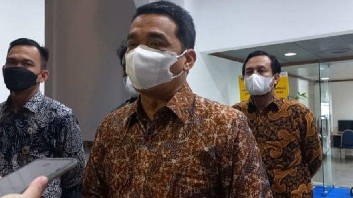 Wagub DKI Ahmad Riza Patria Ingatkan Warga untuk Tidak Mencari Sertifikat Vaksinasi Covid-19 Palsu