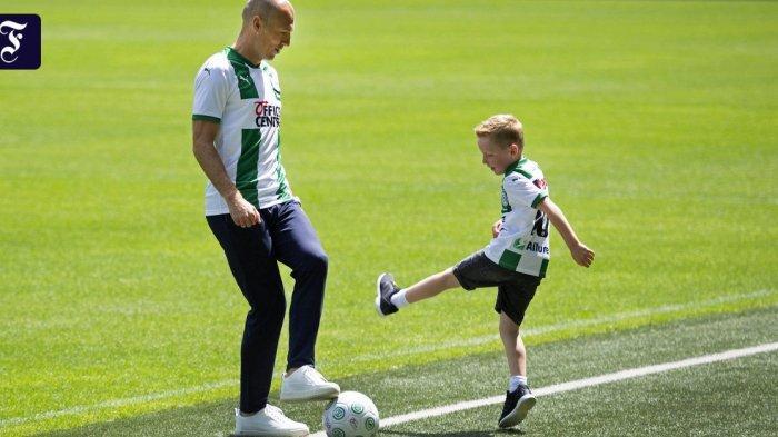 Cinta Membuat Arjen Robben Bersedia Dipinang FC Groningen