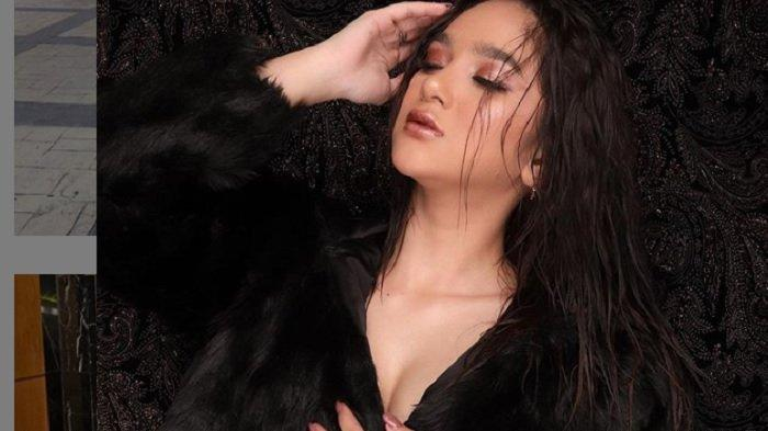 Artis FTV Hana Hanifah Kerap Pakai Fashion Bermerek, Warganet Soroti dengan Komentar Miring