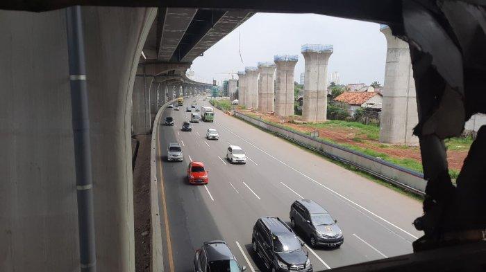 Jelang Berakhirnya Libur Tahun Baru, Arus Balik Belum Terlihat, Tol Jakarta-Cikampek Masih Sepi