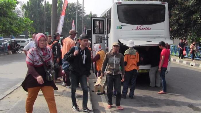 Arus Balik di Terminal Kampung Rambutan Masih Ramai