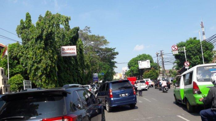 Pukul 10.00, Jalan Daan Mogot Raya Hingga Depan Polres Tangerang Macet Parah