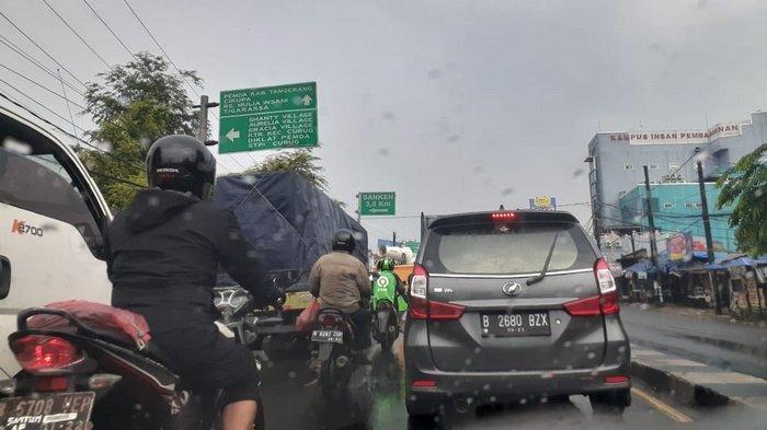 VIDEO: Lalu Lintas Arah dari Kota Tangerang Menuju Kabupaten Tangerang Macet Parah