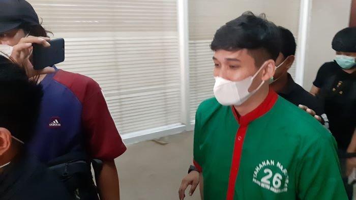 Suami Nindy Ayunda Jalani Rehabilitasi Narkoba Bersamaan dengan Kasus KDRT dan Gugatan Cerai