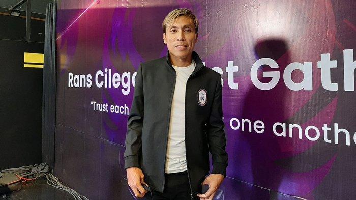 Asri Akbar Mantan Penggawa Persija Jakarta Gabung ke RANS Cilegon FC Karena Dirayu Hamka Hamzah
