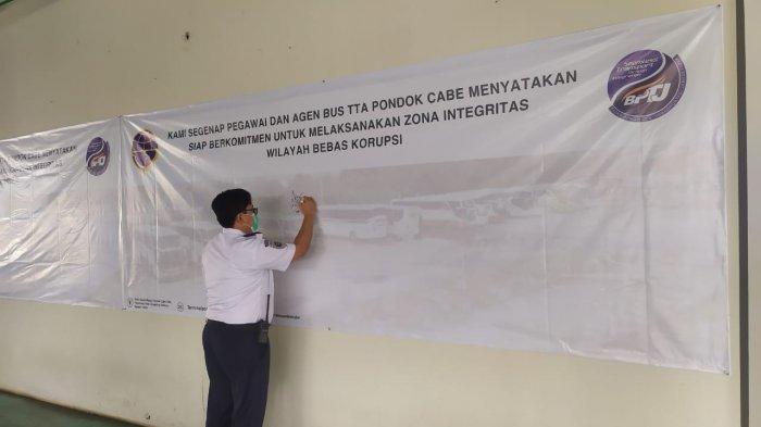 Jadikan Terminal Pondok Cabe Wilayah Bebas Korupsi, Petugas dan Karyawan Bus AKAP Deklarasikan Diri
