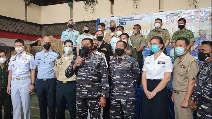 Serbuan Vaksinasi Covid-19 TNI AL Disaksikan Tamu Istimewa Puluhan Atase Pertahanan Negara Sahabat
