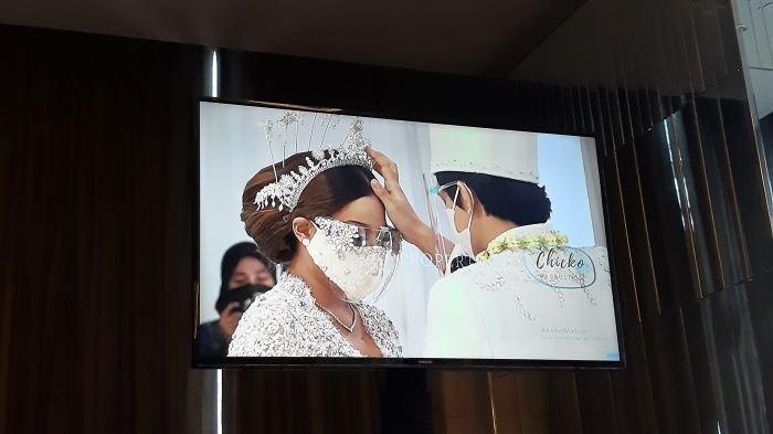 Aurel Hermansyah dan Atta Halilintar disahkan sebagai pasangan suami dan istri lewat akad nikah yang digelar di Hotel Raffles Jakarta, Setiabudi, Jakarta Selatan, Sabtu (3/4/2021) siang.