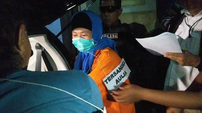 UPDATE Begini Cara Aulia Kesuma Masukkan Mayat Suami dan Anak Tiri yang Dibunuhnya ke Mobil