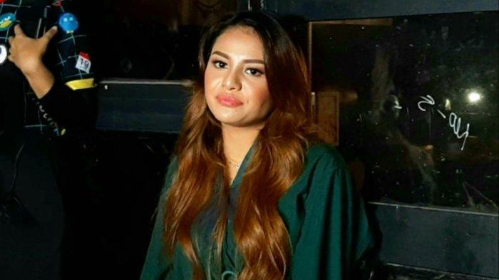 Aurel Hermansyah saat menceritakan single terbaru berjudul Kepastian yang menjadi trending YouTube di lima negara kawasan Asia Tenggara, termasuk Indonesia, Rabu (8/7/2020) malam.