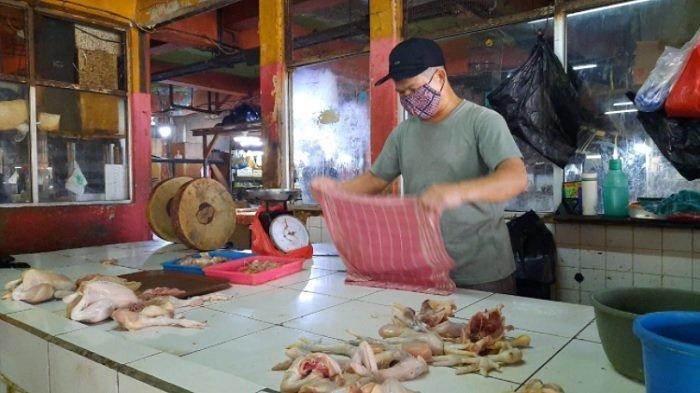 Jelang Bulan Suci Ramadan, Harga Ayam Potong di Pasar Grogol Jakarta Barat Mulai Alami Kenaikan