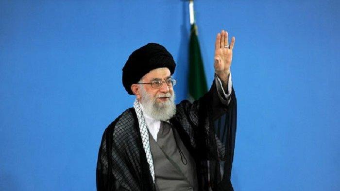 Pemimpin Iran Khamenei Larang Impor Vaksin Covid-19 dari AS dan Inggris
