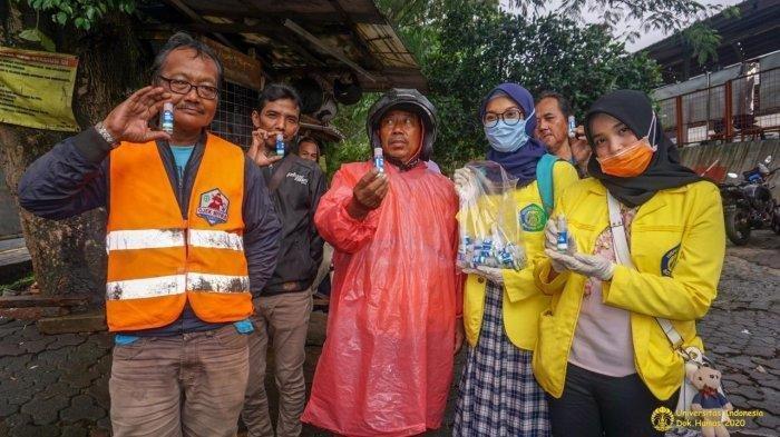 Bikin Hand Sanitizer, Mahasiswa Farmasi UI Bagikan 2.200 Botol ke Warga dan Rumah Sakit