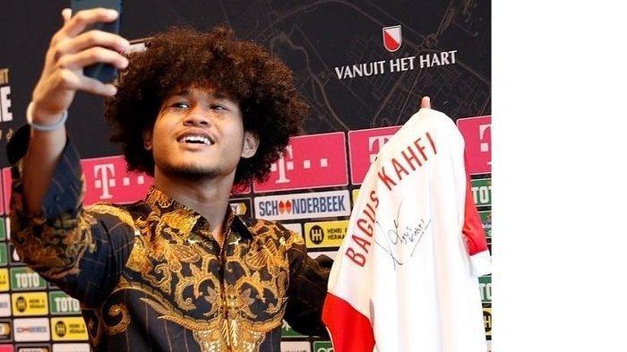 BAGUS Kahfi Langsung Bagi-bagi Jersey FC Utrecht yang Sudah Ditandatangani, Syaratnya Cuma 3
