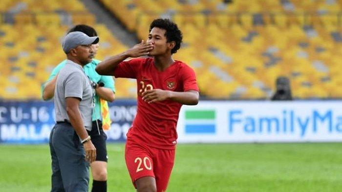 Striker Timnas U-16 Indonesia Bagus Kahfi selebrasi usai membobol gawang Timnas U-16 Iran.