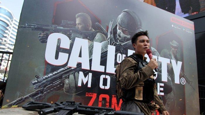 Aksi Baim Wong sebagai tentara untuk menumpas serangan para zombie di car free day di fX Entertainment Plaza, Senayan, Jakarta Pusat, Minggu (24/11/2019).