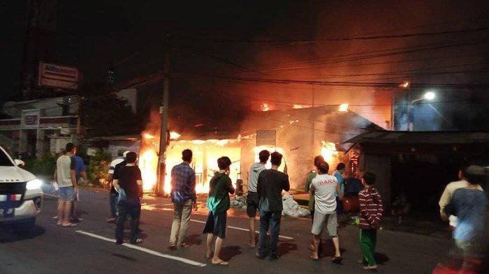 Toko Sembako di Kalideres Jakarta Barat Ludes Dilahap Api, 16 Damkar Dikerahkan
