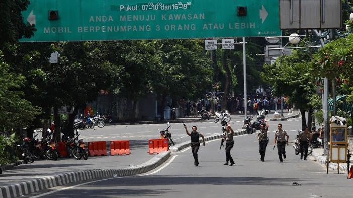 Satpam Sarinah Ini Rela Mengorbankan Diri, Seret Teroris Bom Bunuh Diri ke Kantor Polisi