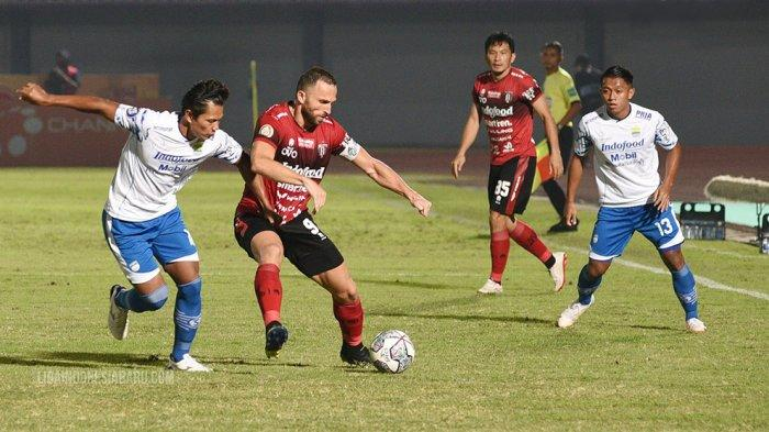 Laga Bali United FC lawan Persib Bandung di pekan ketiga Liga 1 yang berakhir imbang 2-2 di Stadion Indomilk Arena, Tangerang