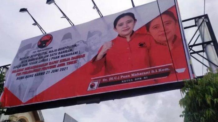 Baliho Ketua DPR RI berseragam PDI Perjuangan Puan Maharani tersebar di beberapa titik di sejumlah daerah di Jawa Timur.