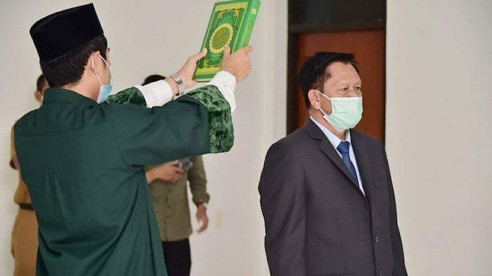 Bambang Setiawan dilantik sebagai Kepala Dinas Kependudukan Dan Catatan Sipil - Disdukcapil Kabupaten Bogor oleh Bupati Bogor Ade Yasin pada Selasa (15/6/2021)