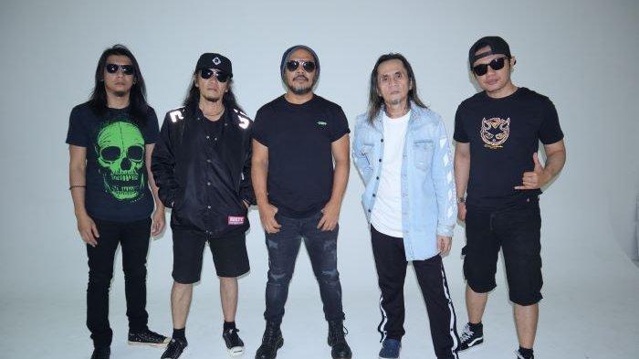 Band Jamrud merayakan 25 tahun karir bermusiknya di industri musik rock Indonesia dengan mengenalkan single Kau Ada Untukku, Kamis (11/2/2021).