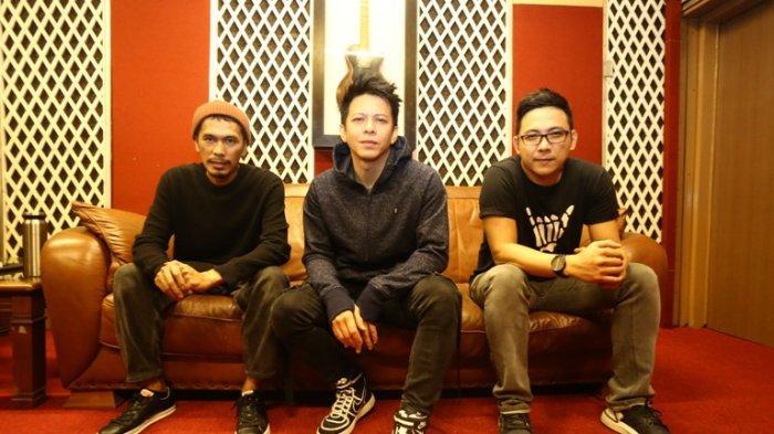 Personel Band NOAH di Musica Studio, Perdatam, kawasan Pancoran, Jakarta Selatan, Senin (18/11/2019). NOAH merilis album ketiga mereka berjudul Keterkaitan Keterikatan.
