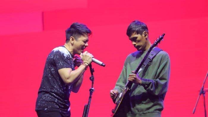 Ariel NOAH dan Lukman NOAH beraksi di perayaan ulang-tahun ke-28 ANTV berjudul Jejak Waktu ANTV 28 Tahun, Sabtu (20/3/2021) malam.