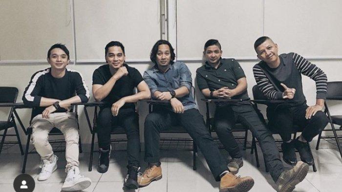 Band Ungu.