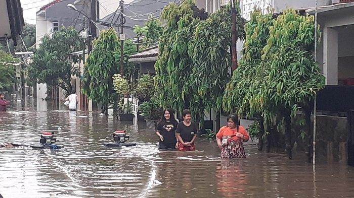 PERINGATAN DINI Cuaca Jabodetabek Kamis 4 Februari 2021 Mulai 16:30 WIB Hujan Deras, Waspada Banjir!