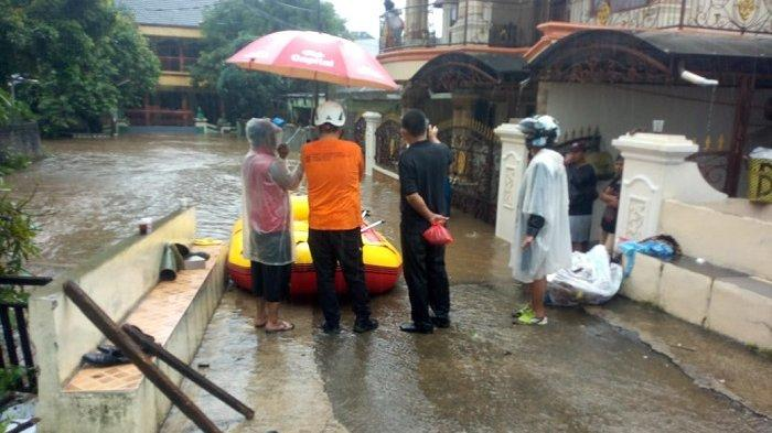 Diterjang Hujan Deras Semalaman, Kota Depok Dikepung Bencana Banjir dan Tanah Longsor