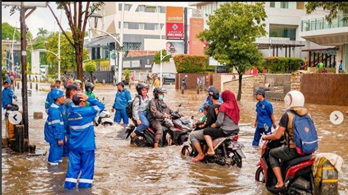 Banjir di wilayah Kemang Jakarta Selatan Sudah Surut, Jalan Kemang Raya Kini Bisa Dilalui Kendaraan