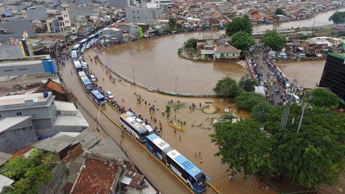 Bencana Awal Tahun, BNPB Sebut 16 Orang Meninggal saat Banjir Melanda Jabodetabek