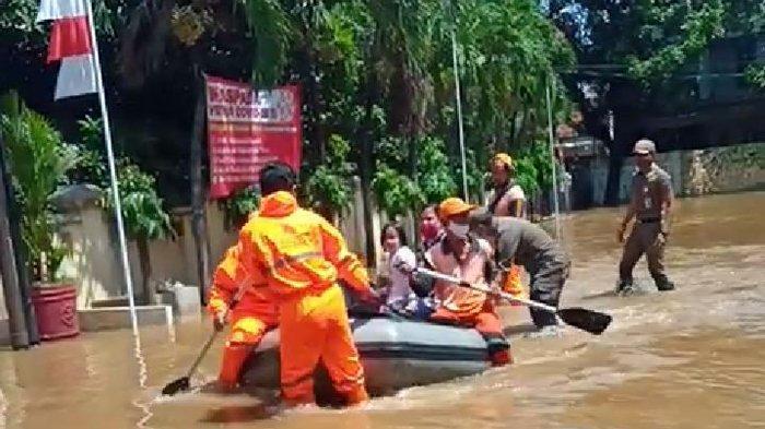 Dinas Sumber Daya Air DKI Siagakan 8.000 Personel Antisipasi Ancaman Banjir Awal Tahun 2021