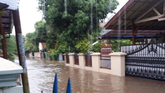 Hujan Deras dari Pagi, Sejumlah Perumahan di Kota Bekasi Terendam Banjir