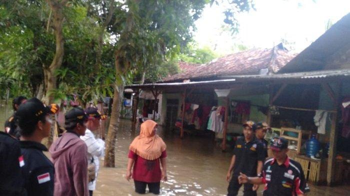 Hujan Deras, 6 Kecamatan di Kabupaten Tangerang Terendam Banjir Sampai 100 cm